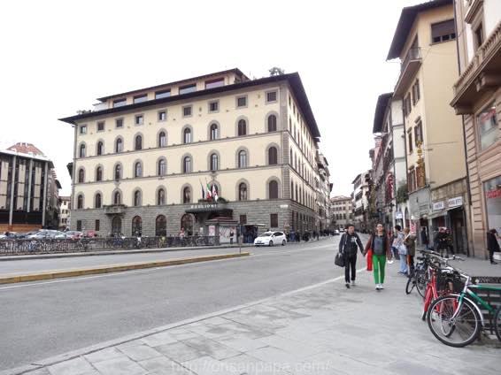 フィレンツェ ローマ 移動 DSC01672