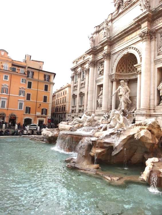 トレヴィの泉 ローマ 新婚旅行 01825