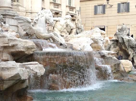トレヴィの泉 ローマ 新婚旅行 01818