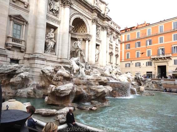 トレヴィの泉 ローマ 新婚旅行 01811