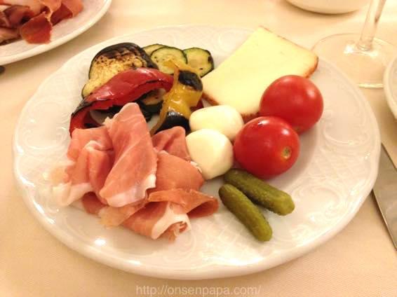イタリア 新婚旅行 朝食  3928