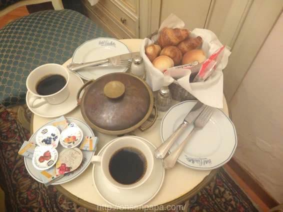 イタリア 新婚旅行 朝食 00340