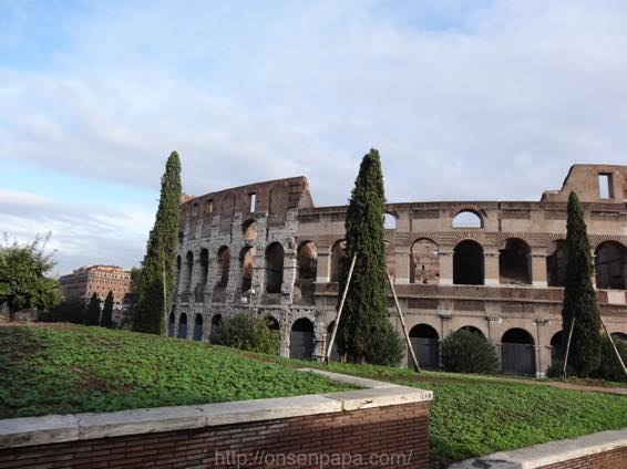 ローマ コロッセオ  2130