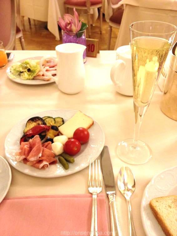 イタリア 新婚旅行 朝食  3929