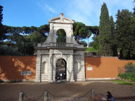 ローマ コロッセオ  2135