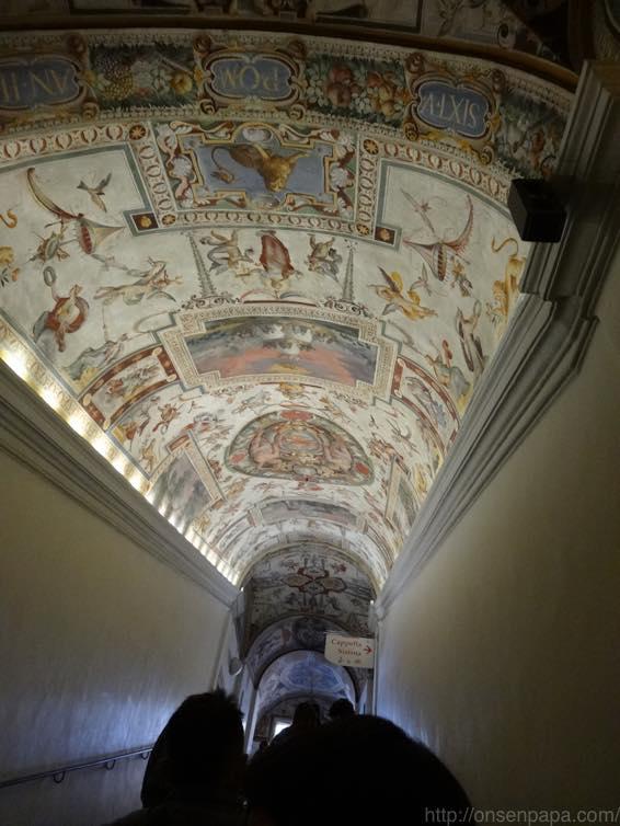 ヴァチカン美術館 天国への入口 02565
