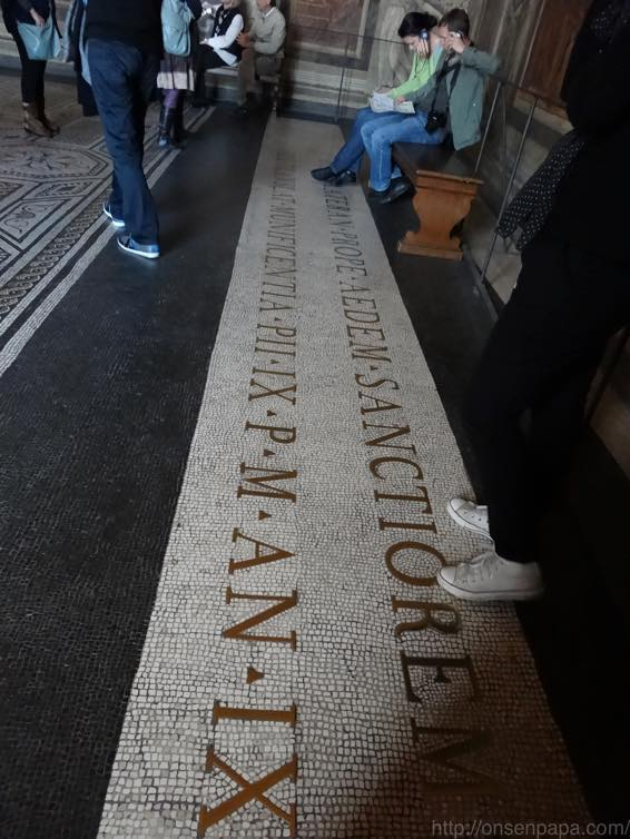 バチカン美術館 天国への入口 02522