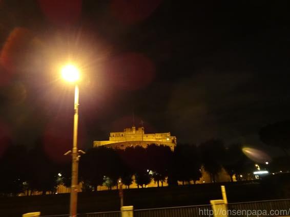 ローマ バス 夜 DSC02815 1024