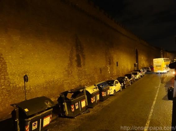 ローマ バス 夜 DSC02807 1024