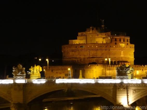 ローマ バス 夜 DSC02821 1024