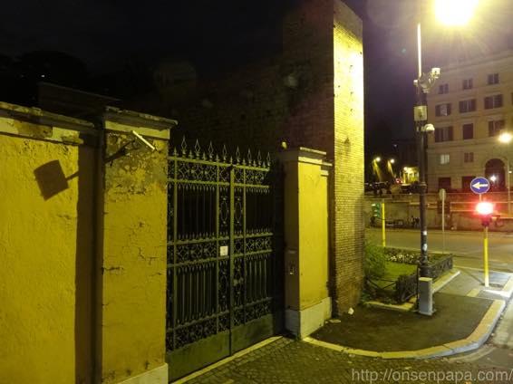 ローマ バス 夜 DSC02819 1024