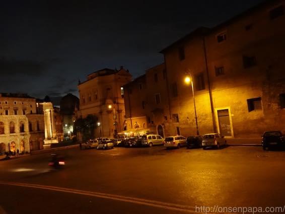 ローマ バス 夜 DSC02771 1024