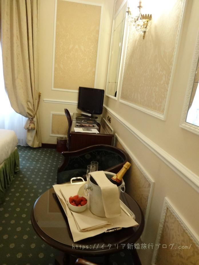 イタリア 新婚旅行 ホテル フィレンツェ ブログ DSC01065